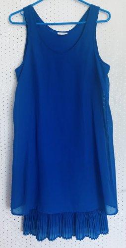 Hübsches Sommerkleid in Blau