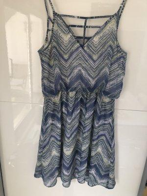 Hübsches Sommerkleid von Guess Gr. S