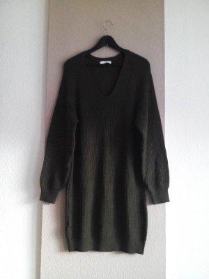 hübsches Strickkleid/Long Pullover in khaki, Grösse M, neu