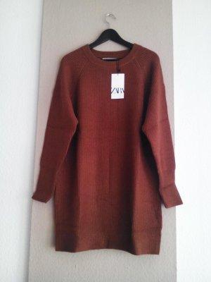 hübsches Strickkleid/Long Pullover in Ziegelrot, Grösse S oversize, neu