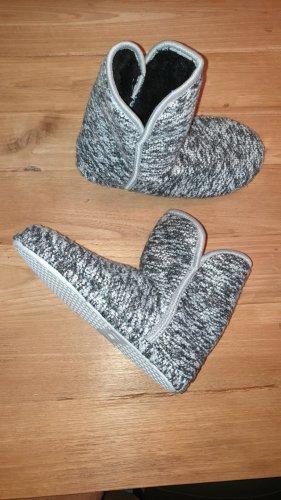 Pantoufles-chaussette gris