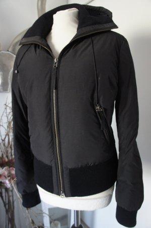 Hugo Boss Jacke Größe 36 S schwarz top Zustand