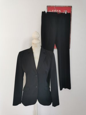 Hugo Boss Business Suit black wool