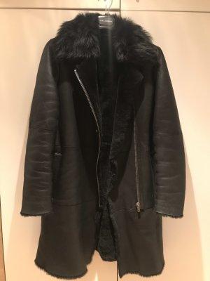 Hugo Boss Abrigo de piel negro