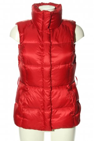 Hugo Boss Quilted Gilet red quilting pattern casual look