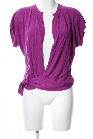 Hugo Boss Camisa cruzada lila look casual