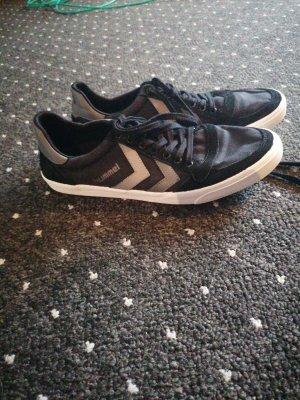 Hummel Schuhe 43
