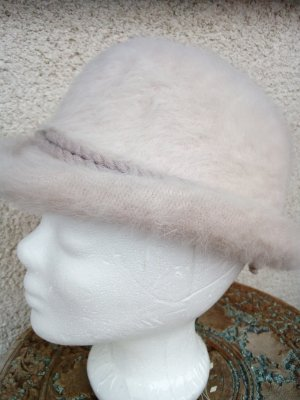 Vintage Woolen Hat cream