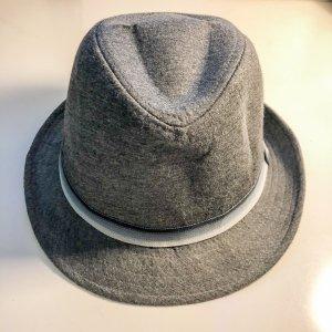 Chapeau de soleil gris-argenté