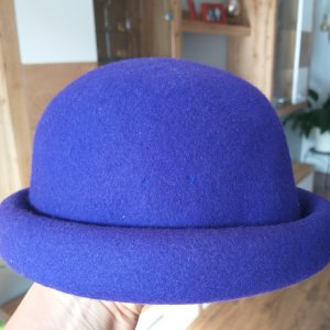 Sombrero de fieltro lila