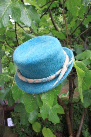Cappello in feltro blu cadetto-beige Lana