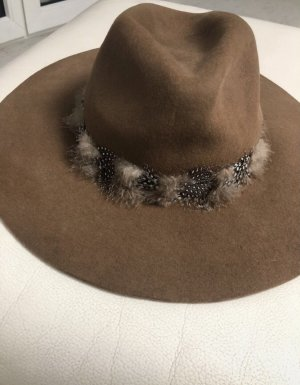 Zara Cappello di lana marrone-beige