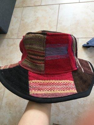 Cloche Hat black-brick red
