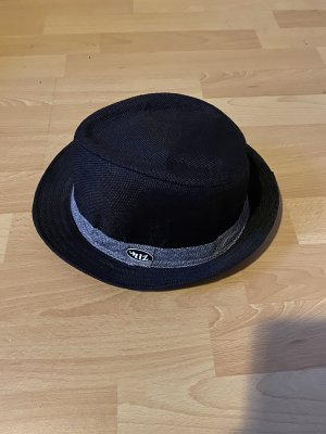 Straw Hat black-silver-colored