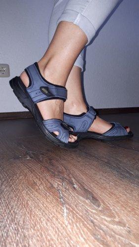 Ich verkaufe ein paar sehr schöne Sandalen in Größe 39 von Ecco!
