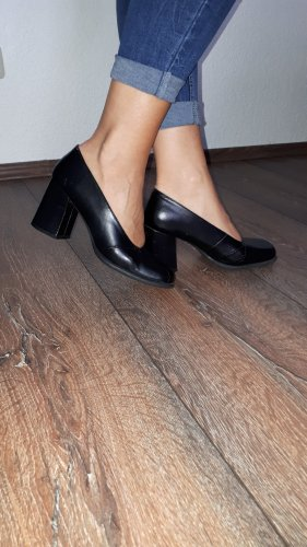 update Loafers black