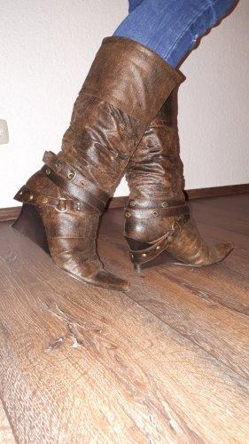 Ich verkaufe ein paar sehr schöne Vintage Stiefel in Größe 41 von Graceland !