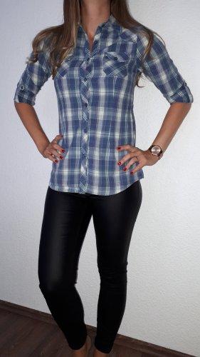 Ich verkaufe ein sehr schöne Bluse in Größe 158/164(XS) von here+There!