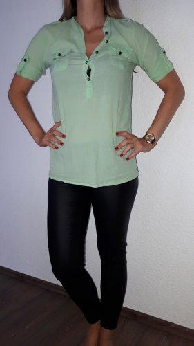 Ich verkaufe ein sehr schöne Blusenshirt in Größe S von KBK!