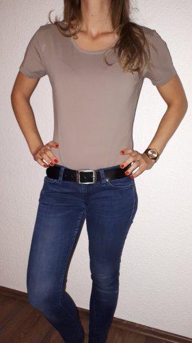 Ich verkaufe ein sehr schönes Body T-Shirt in Größe L !