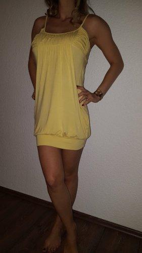 Ich verkaufe ein sehr schönes Kleid in Größe 36 von Amisu!