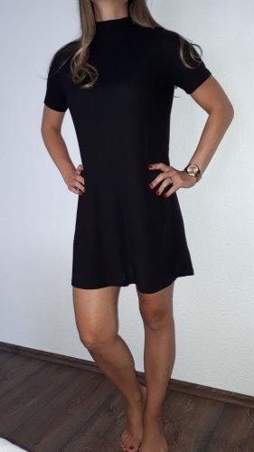 Ich verkaufe ein sehr schönes Kleid in Größe S/M!