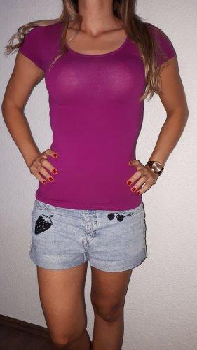 Ich verkaufe ein sehr schönes Shirt in Größe 36 von H&M!