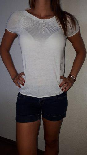 Ich verkaufe ein sehr schönes T-Shirt in Größe S von Colours of the World!