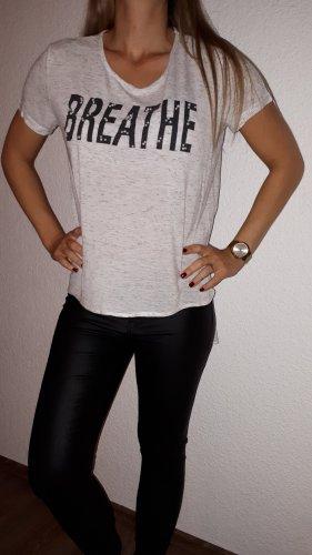 Ich verkaufe ein super schönes T-Shirt in Größe 40 von Janina!