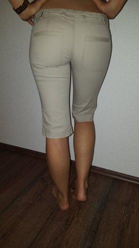 Ich verkaufe eine sehr schöne 7/8 Hose in Größe S von Fishbone!