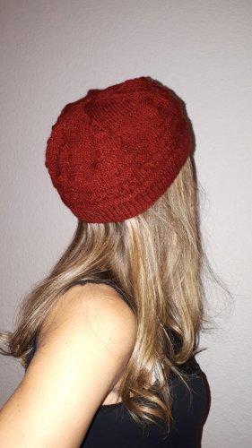 Handmade Chapeau en tricot rouge foncé