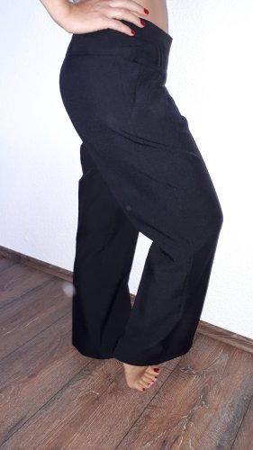 Ich verkaufe eine sehr schöne, neue Vintage Hose in Größe 40(L) von E-vie!