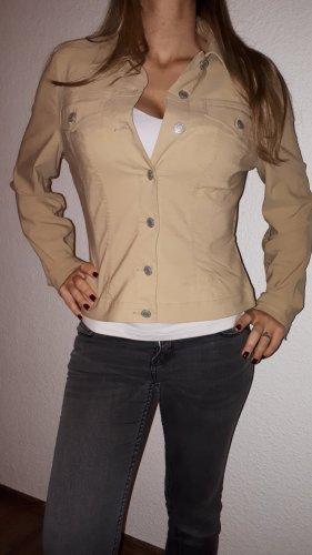 Ich verkaufe eine sehr schöne Übergans-Stretch-Jacke in Größe 42 von MEXX!