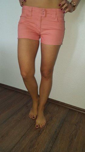 Ich verkaufe eine super schöne Shorts in Größe 36 von Pimkie!