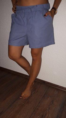 Ich verkaufe eine super schöne Shorts in Größe 44 von Blue Motion!