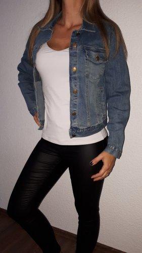Ich verkaufe eine super schöne Vintage Jeans-Jacke in Größe 42 von Tex-M!
