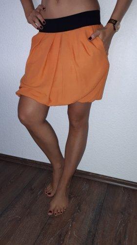 Ich verkaufe einen sehr schönen Damen Rock in Größe XS von Zara!