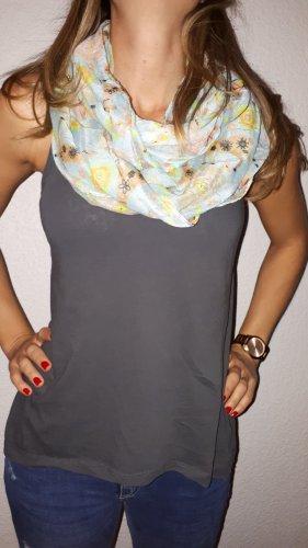 Ich verkaufe einen sehr schönen Loop-Schal!