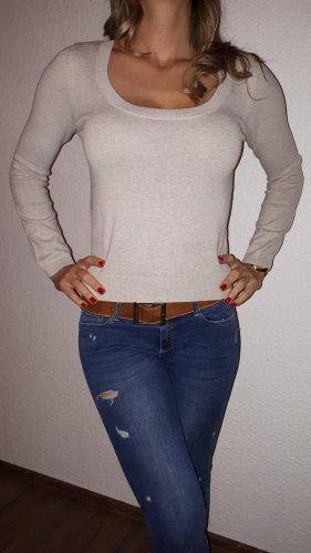 Cienki sweter z dzianiny kremowy