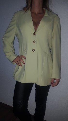 Ich verkaufe einen sehr schönen Vintage Blazer in Größe L!