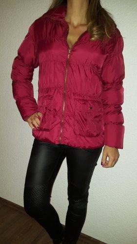 Ich verkaufe einen sehr schönen warme Jacke in Grösse 42 von Denim Co.!