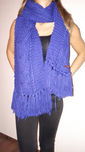 Review Knitted Scarf blue