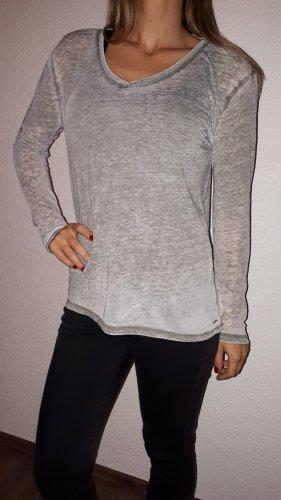 Ich verkaufe einen sehr schönes Langarmshirt in Größe M von edc!