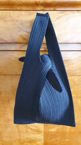 Pleats Please by Issey Miyake Stoffen tas zwart