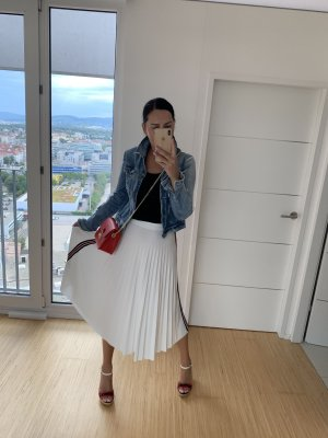 Imperial Pleated Skirt white