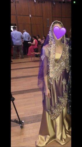 Vestido de noche color oro-lila