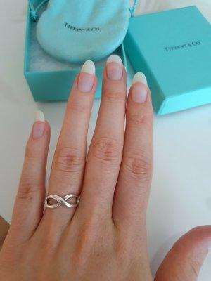 Infinity Ring von Tiffany & Co.