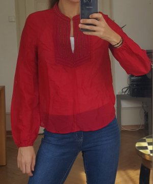 Intensiv rote Bluse mit gewebtem Kragen