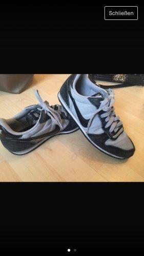 Nike Sneakers met veters grijs-zwart