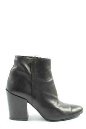 Intrend Krótkie buty czarny W stylu casual